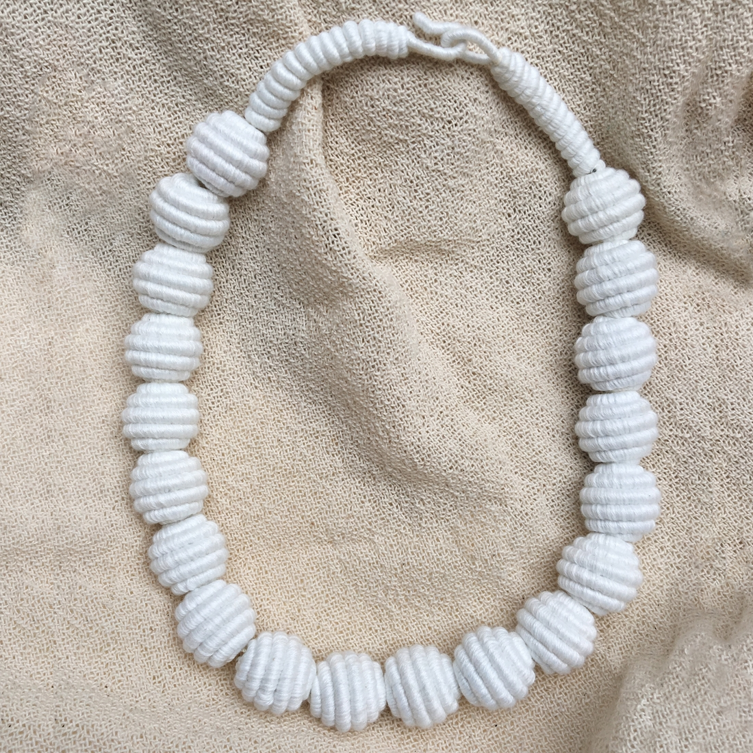 Collier fil en coton
