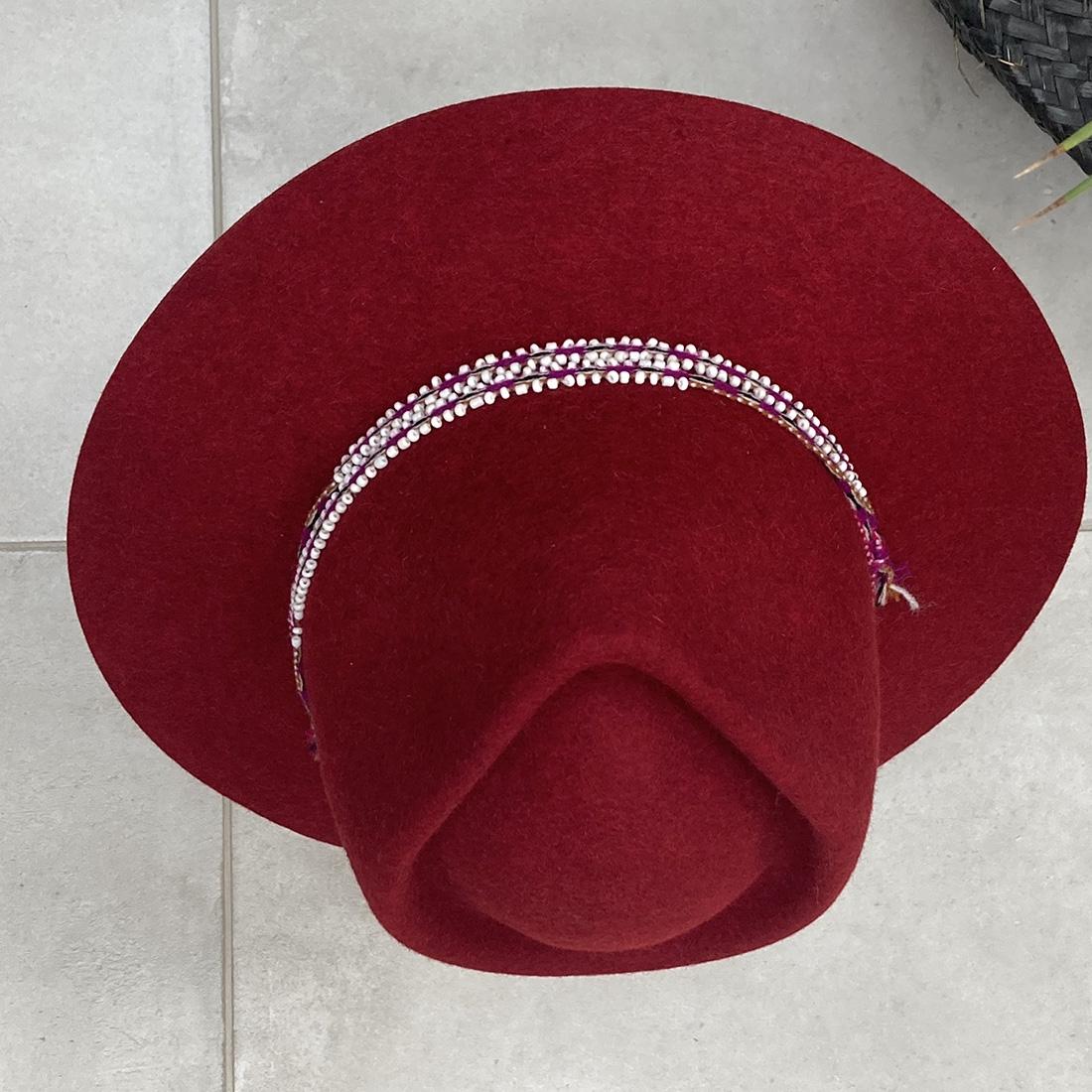 Chapeau bord court en Alpaga - Rouge