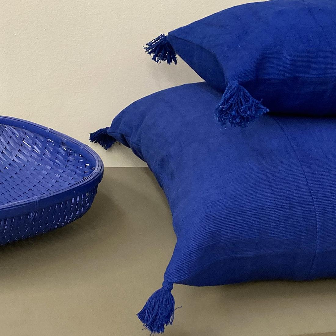 Coussin pompon Bleu