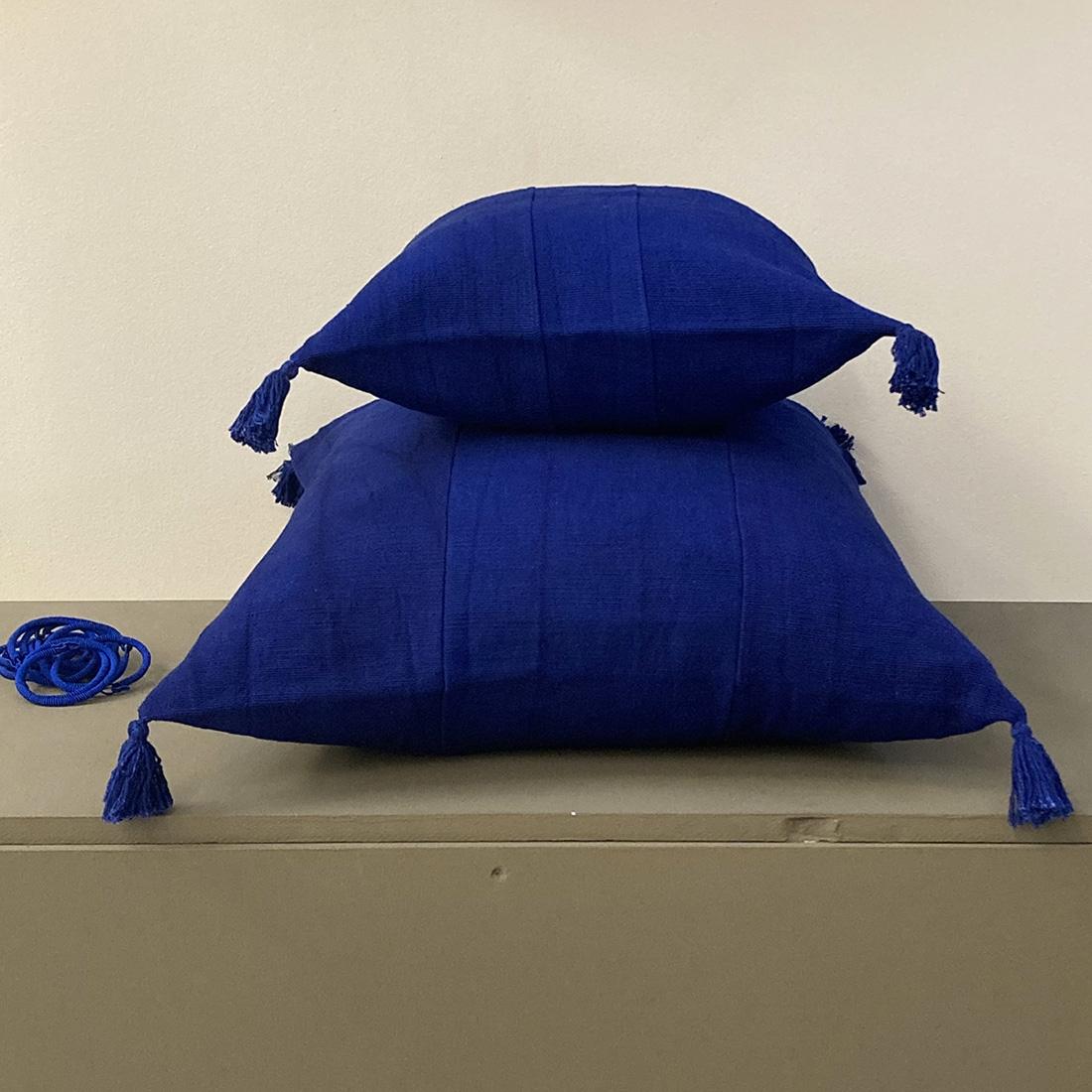 Coussin pompon Bleu Nuit